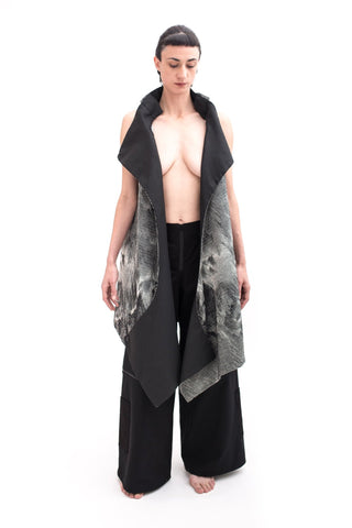 Shop Emerging Slow Fashion Futuristic Unisex Brand Fuenf Urban Transform Vest at Erebus