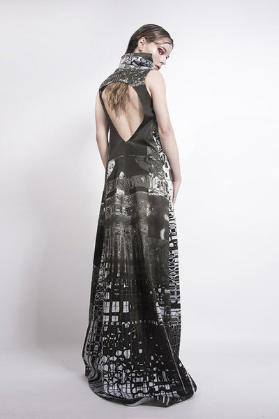 Shop emerging futuristic slow fashion brand Fuenf black and white digital Fractal print Gown - Erebus