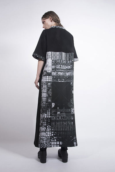 Shop emerging designer Fuenf black and Fractal Print scuba Maxi Dress - Erebus