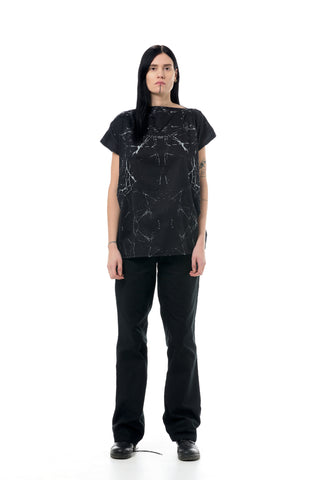 Shop Emerging Dark Conscious Gender-free Designer LAURIJARVINENSTUDIO Zero Waste Cotton Black Print Boxie Blouse at Erebus