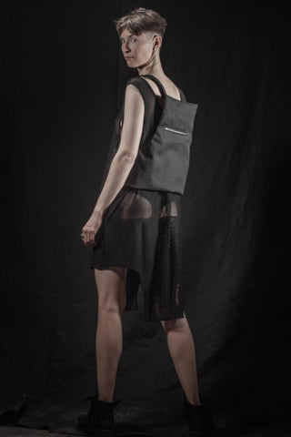 Shop emerging slow fashion brand Fuenf black Transform Bag - Erebus