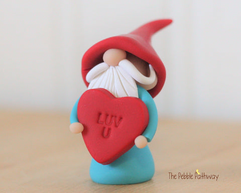 Valentine Gnome holding Luv U Heart - Love You Gnome - 0323