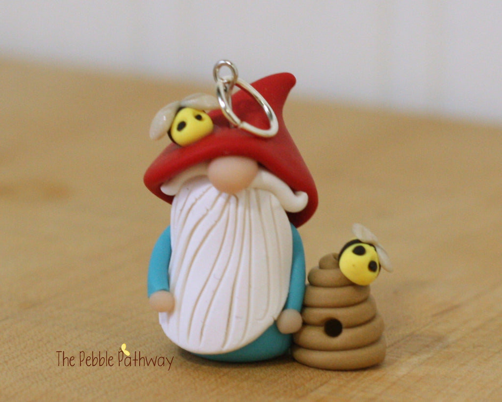 Bee Keeper Gnome, Bee Keeper Ornament, Apiarist Gnome, Apiarist Ornament - ThePebblePathway