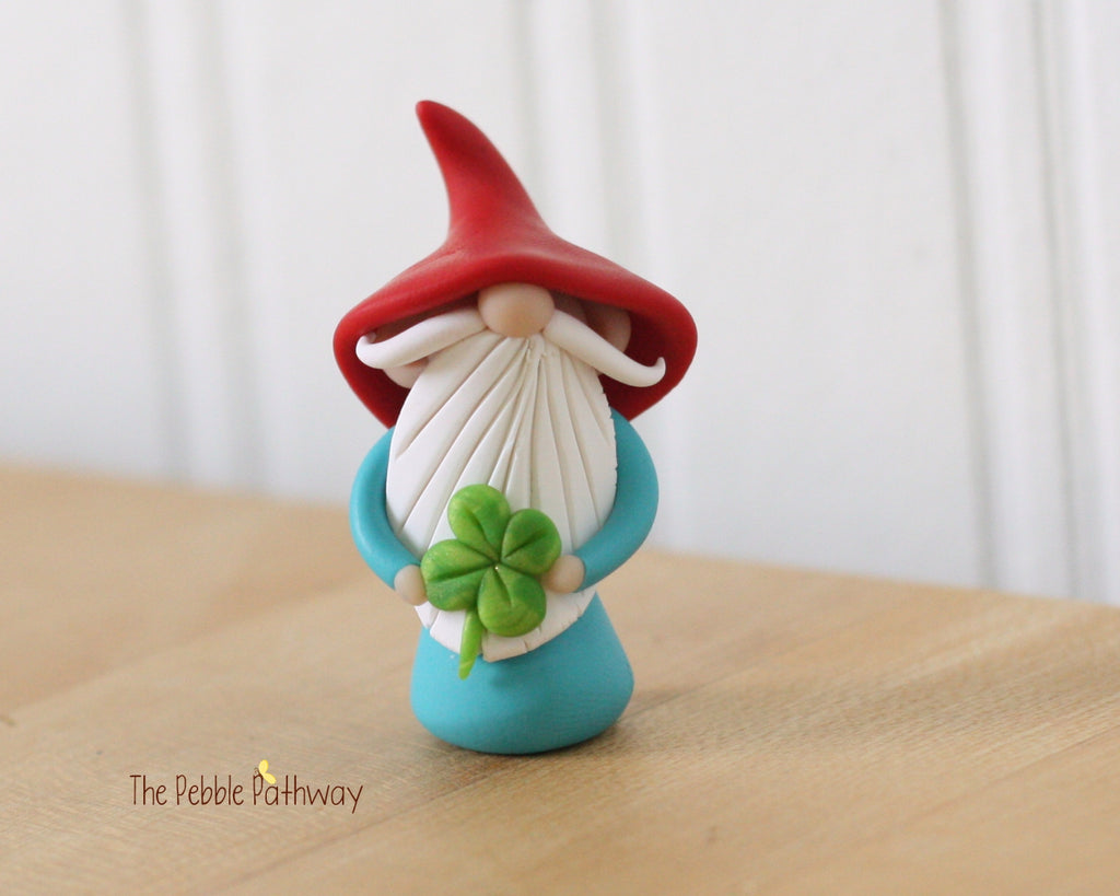Lucky Gnome holding 4 leaf clover - Saint Patricks Day - 0357 - ThePebblePathway