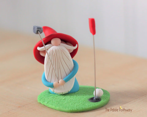 Golfer gnome - Gift for golf player - golf player figurine