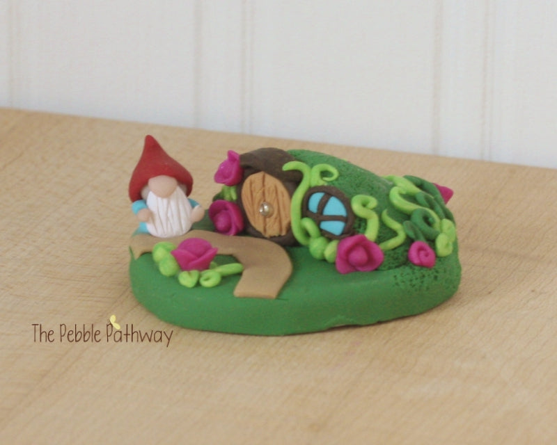 Gnome and gnome home 0110 - ThePebblePathway
