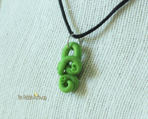 Green Tentacle Necklace 001 - ThePebblePathway