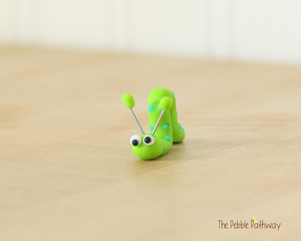 Tiny inch worm  - Woodland Animals - Terrarium Accessory - fairy garden decoration  Cupcake Topper 0497