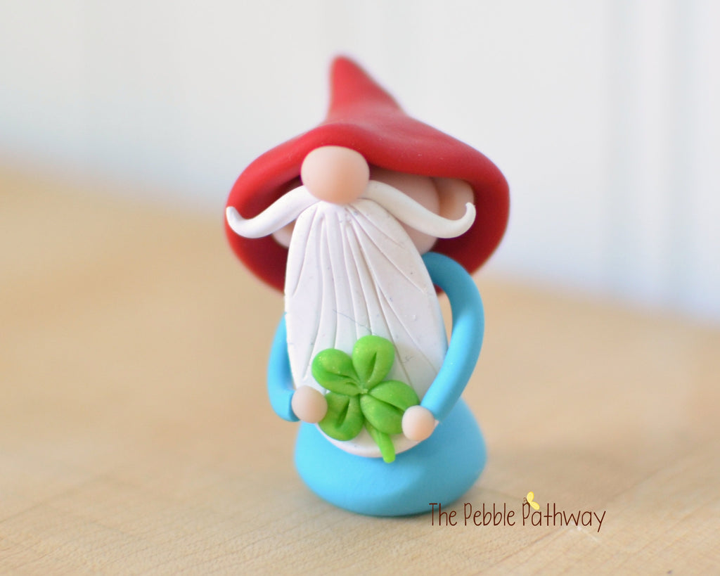 Lucky Gnome with 4 leaf clover St. Patrick's Day 0520 - ThePebblePathway