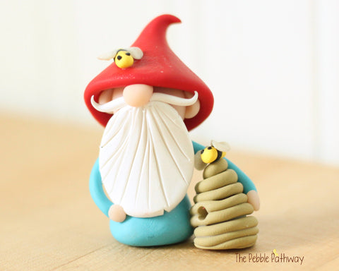 Bee Keeper Gnome - apiarist gnome - apiary ornament - Gnome with Bee Hive 0544