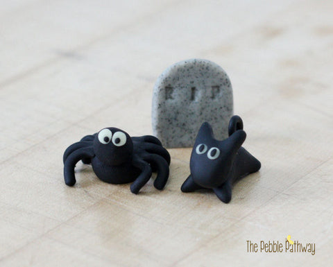fairy-garden-halloween-decorations-miniature-spider-cat-and-headstone-terrarium-accessory-set-of-3