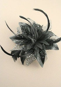 NEW BLACK FLOWER + FEATHER FASCINATOR ON COMB WEDDING CHRISTENING FUNERAL RACES