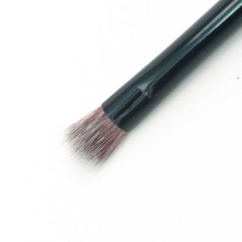 Small Fluff Brush | Kinetics Cosmetics