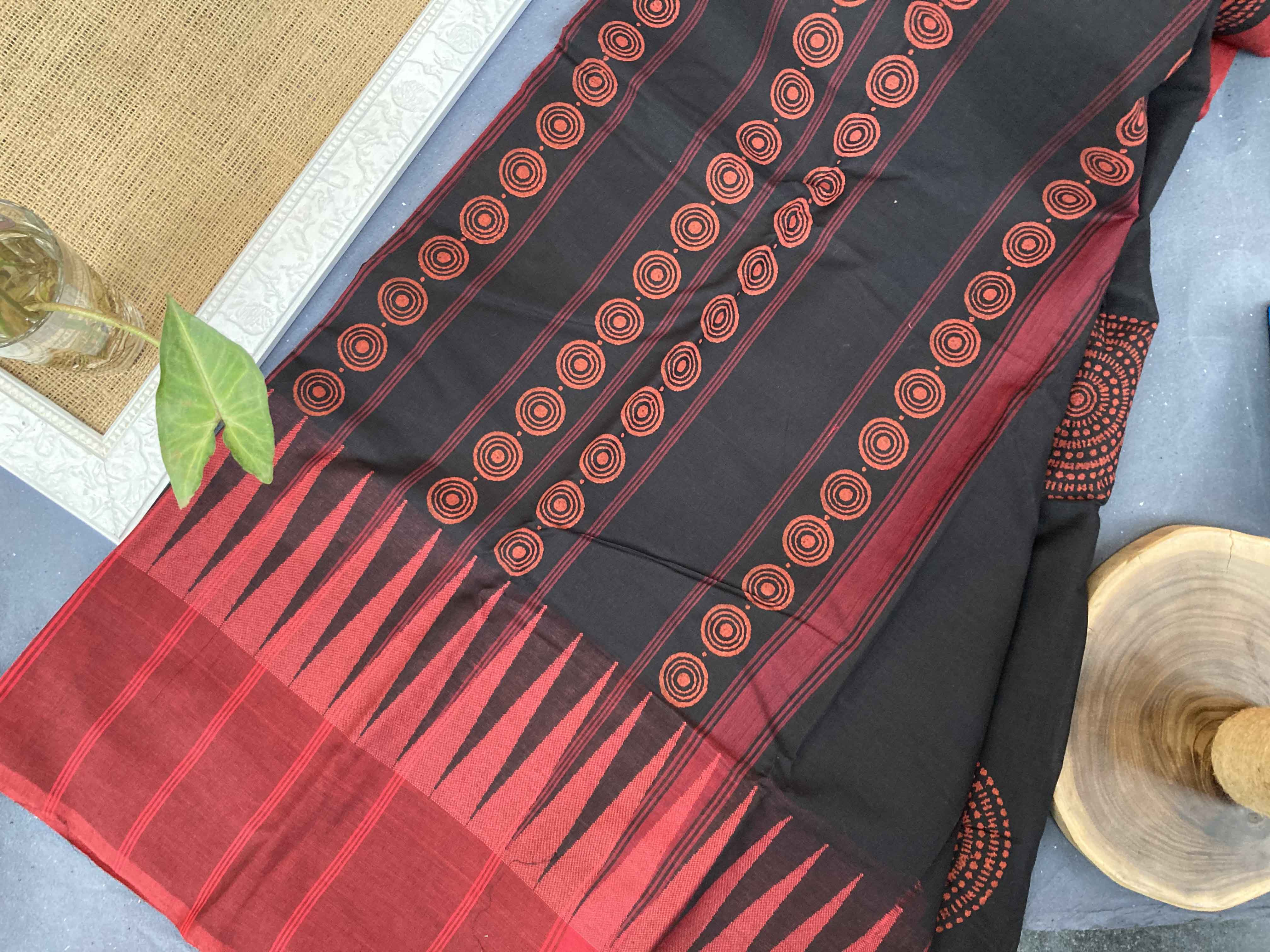 Circle of Dots - Kanchi Cotton Block printed Saree