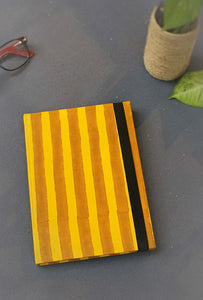 Ochre Lines with band
