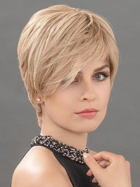HANNAH by ELLEN WILLE in CHAMPAGNE MIX | Light Beige Blonde, Medium Honey Blonde, and Platinum Blonde blend
