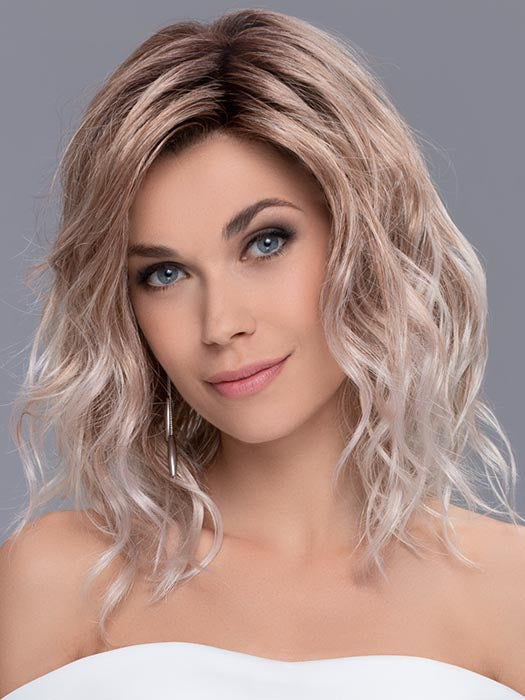 It's a cutting-edge style with loose beach waves