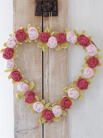Heart and flower wreath crochet pattern