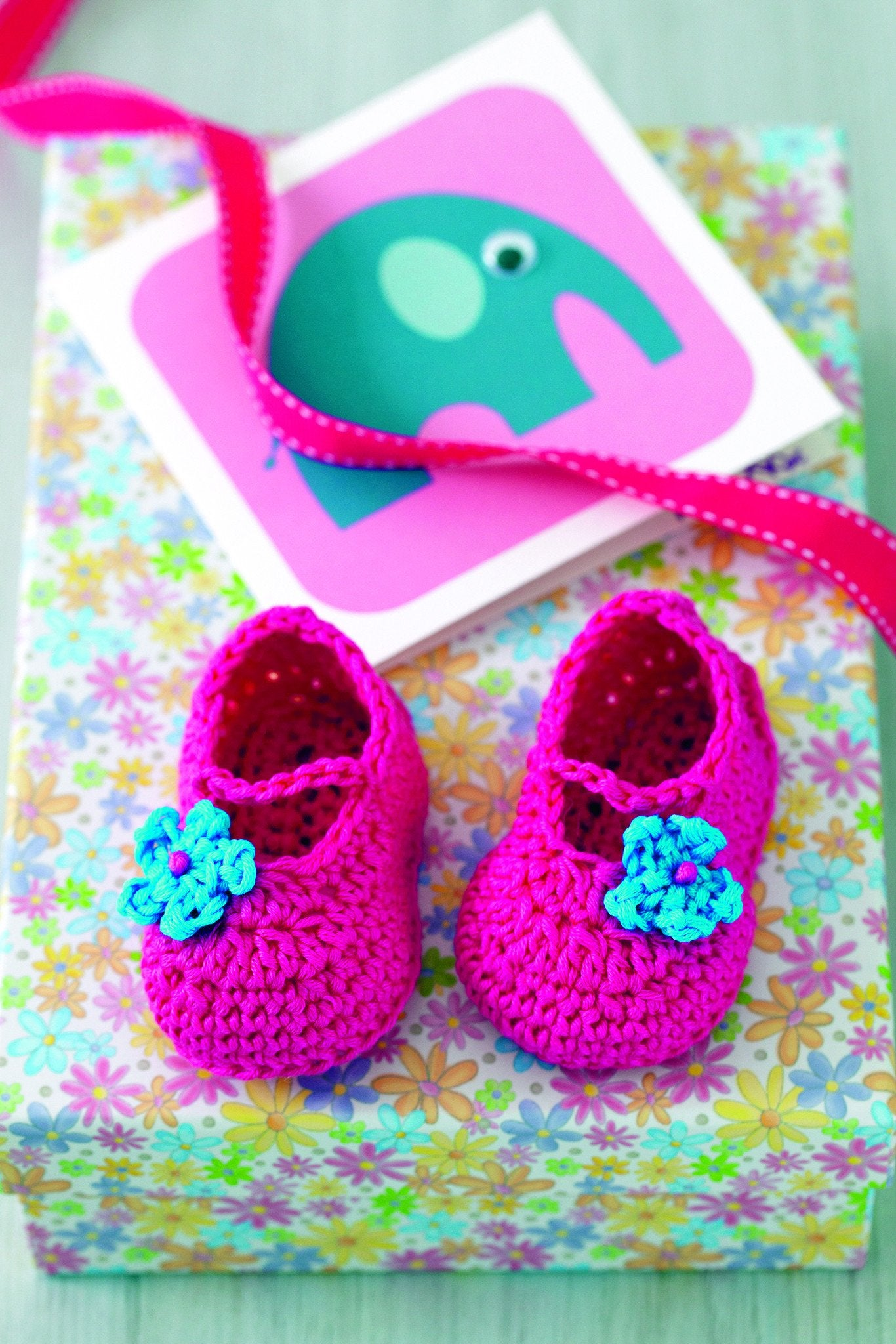 Baby Shoes With Flower Crochet Pattern – The Knitting Network