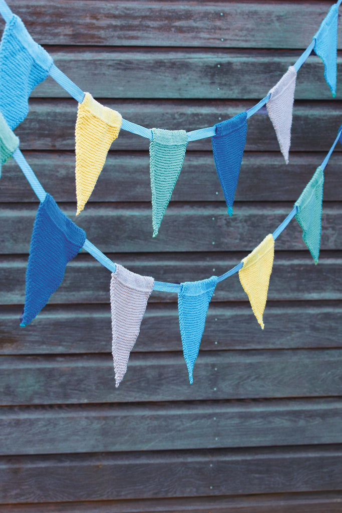 Knitted bunting, perfect for a party!