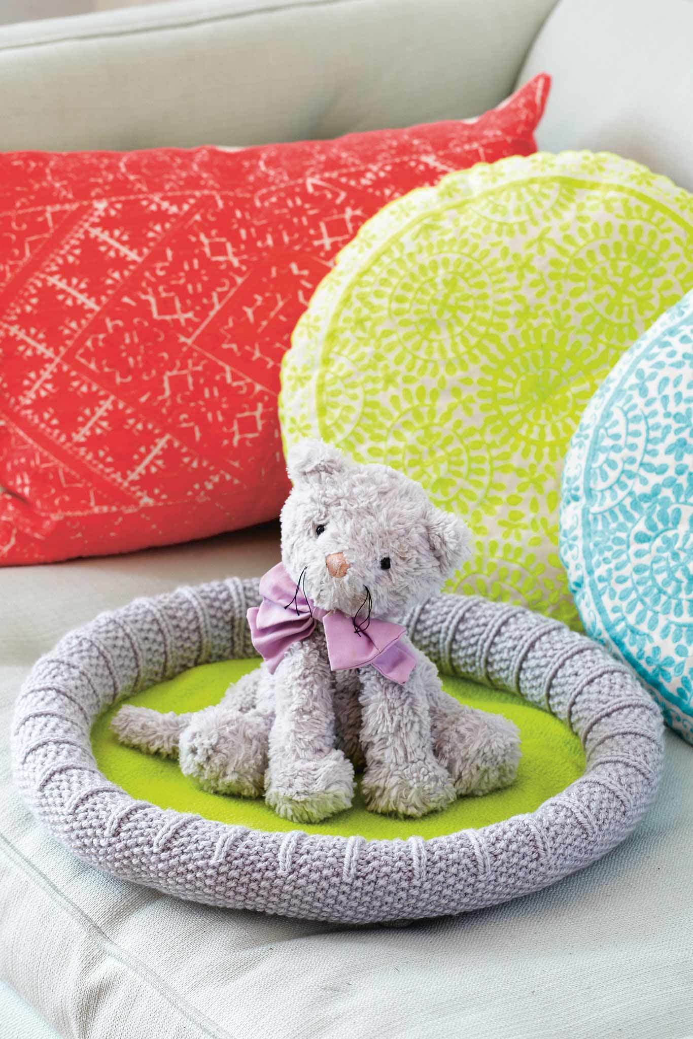 Cat Bed Knitting Pattern – The Knitting Network