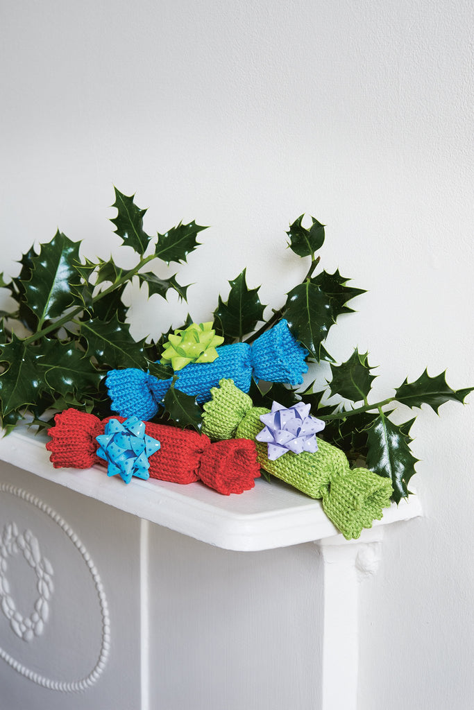 Christmas Crackers Knitting Pattern - The Knitting Network