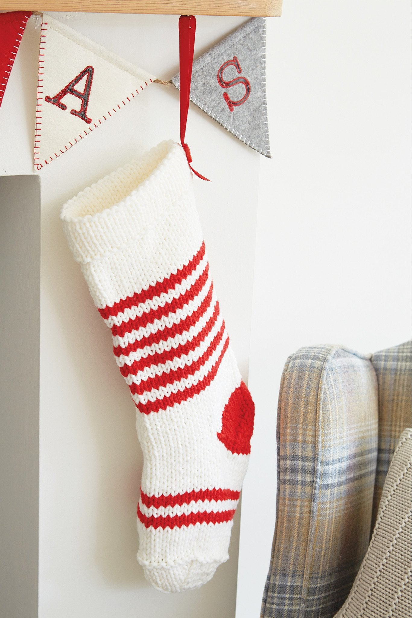 Christmas stocking knitting patterns the knitting network christmas stocking knitting patterns bankloansurffo Choice Image