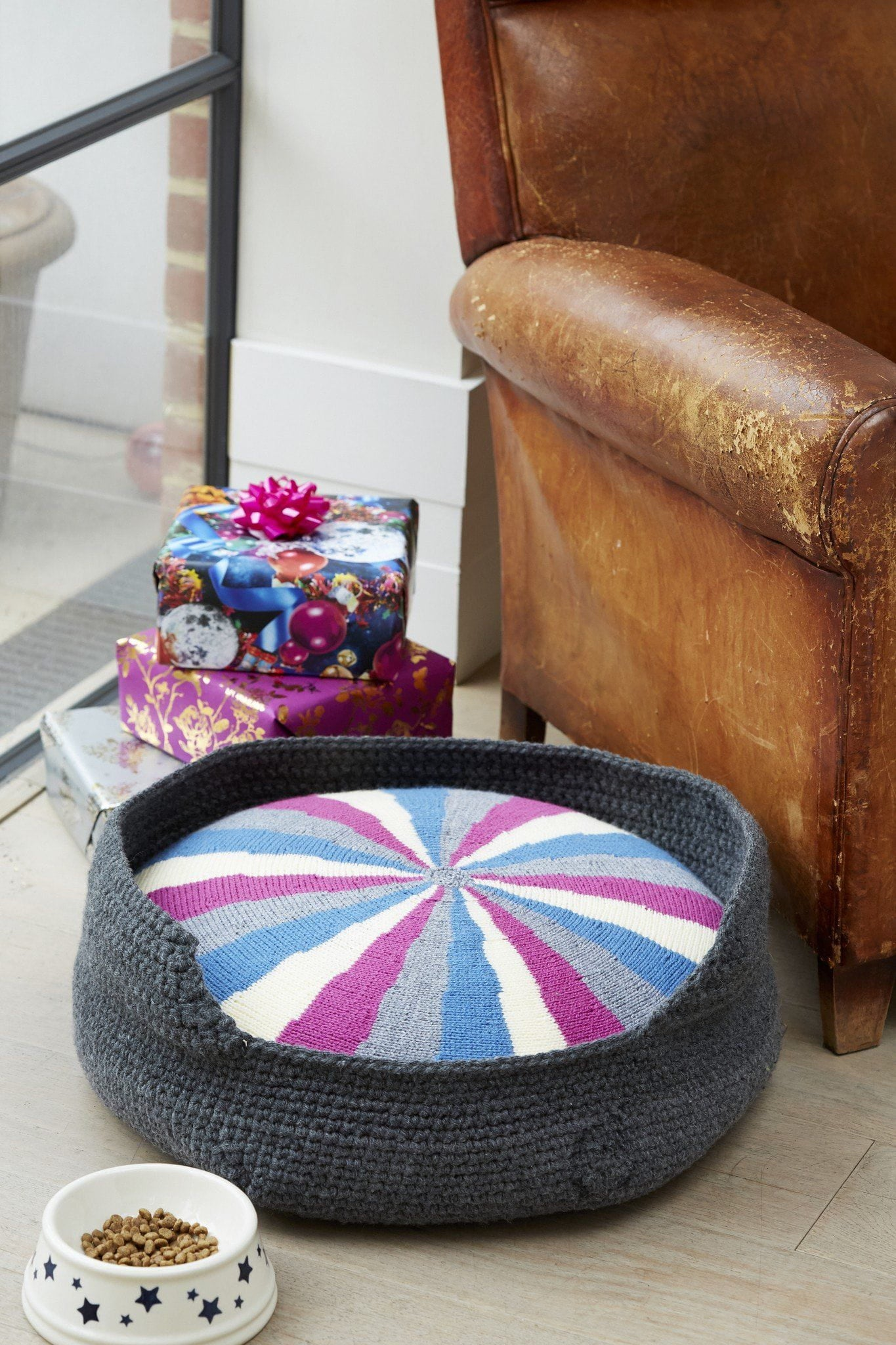 Dog Bed And Cushion Knitting and Crochet Patterns – The Knitting Network