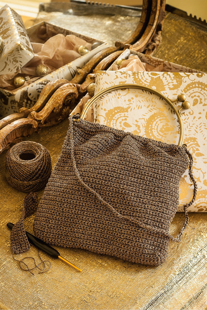 Crocheted evening bag in metallic yarn for night-time shimmer
