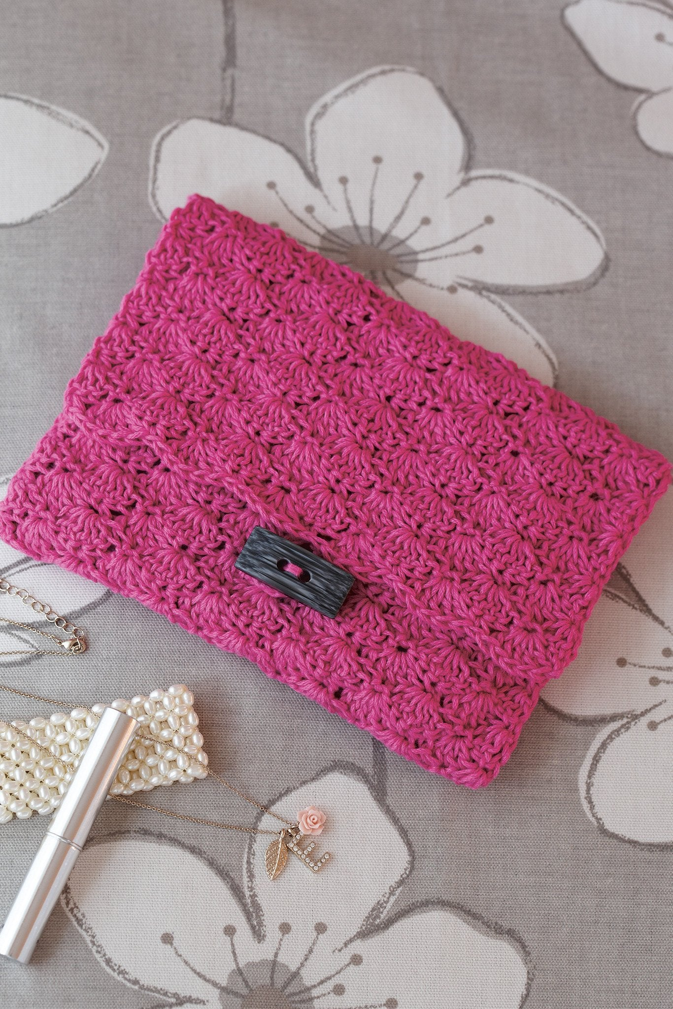 Evening clutch bag crochet pattern the knitting network evening clutch bag crochet pattern bankloansurffo Gallery