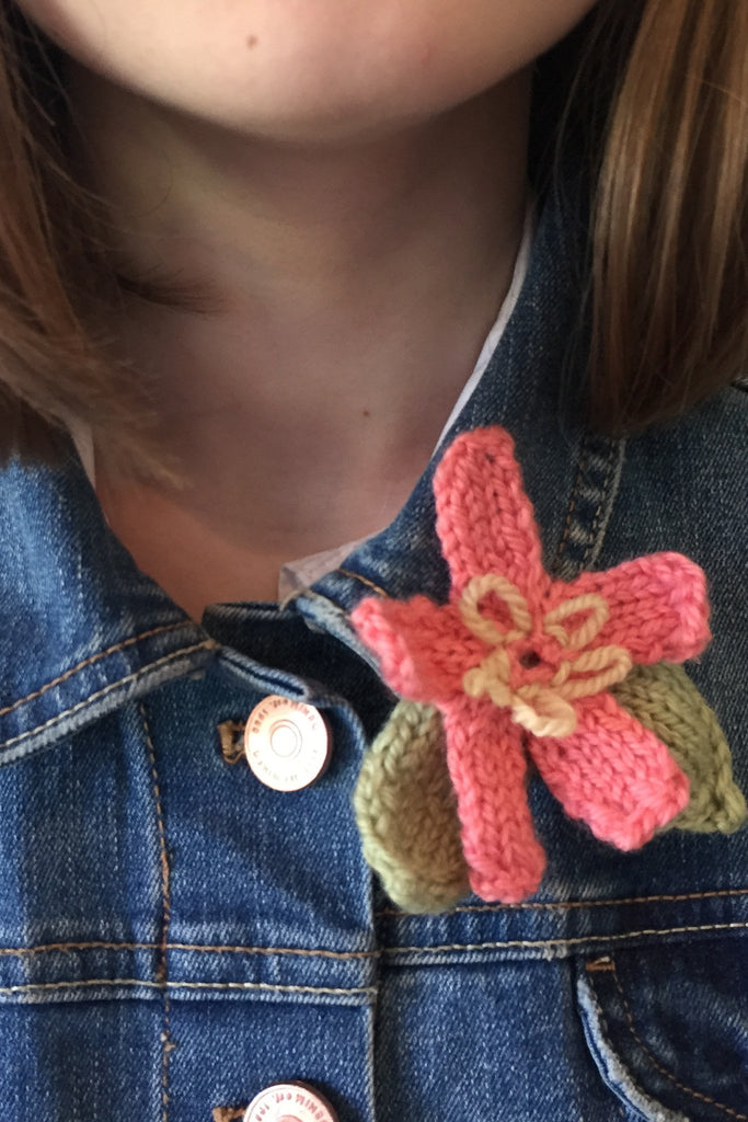 Flower Brooch Knitting Pattern - The Knitting Network