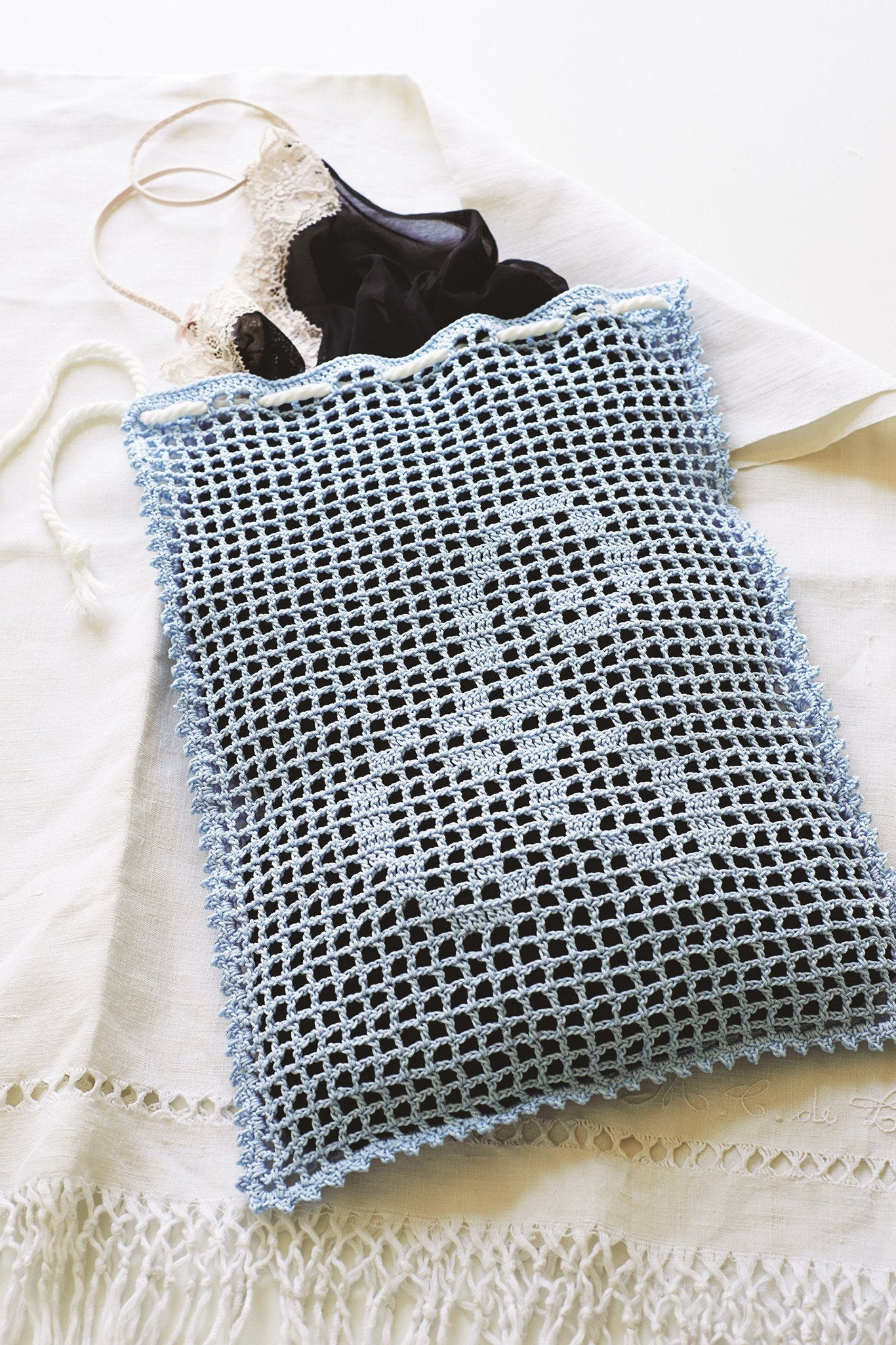 Laundry bag crochet pattern the knitting network laundry bag crochet pattern bankloansurffo Choice Image