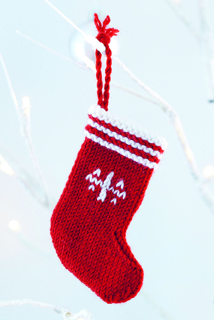 Knitting Pattern For Mini Christmas Stocking : Mini Christmas Tree Decoration Knitting Patterns   The ...