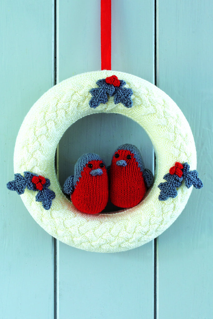 Robin Christmas Wreath Knitting Pattern   The Knitting Network