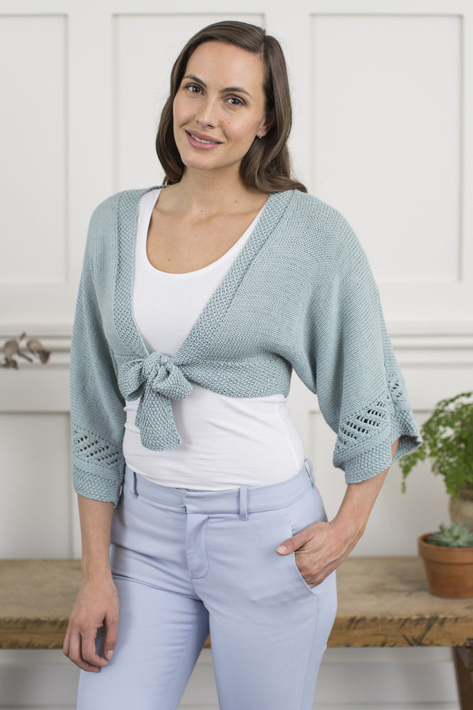 Cropped ladies' bolero cardigan with front tie
