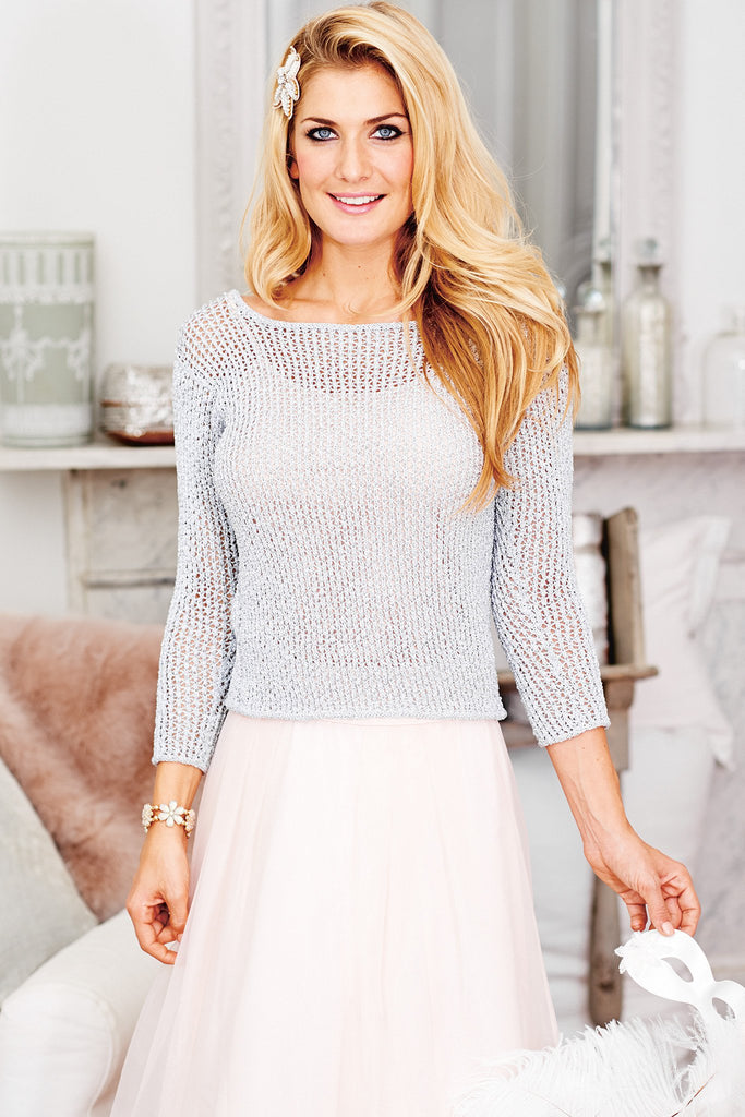 Short mesh knitted sweater for women with three-quarter sleeves