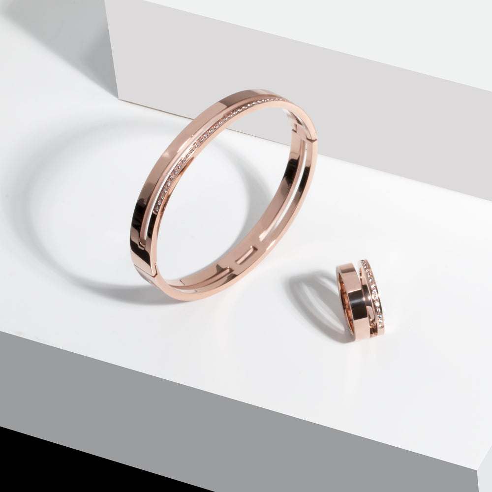 minimal rose gold ring with stones