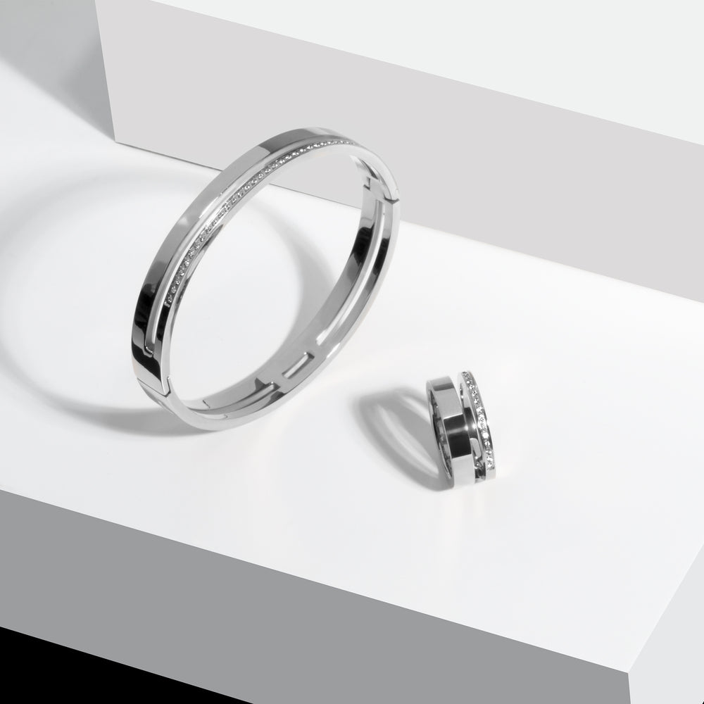 minimal ring with stones