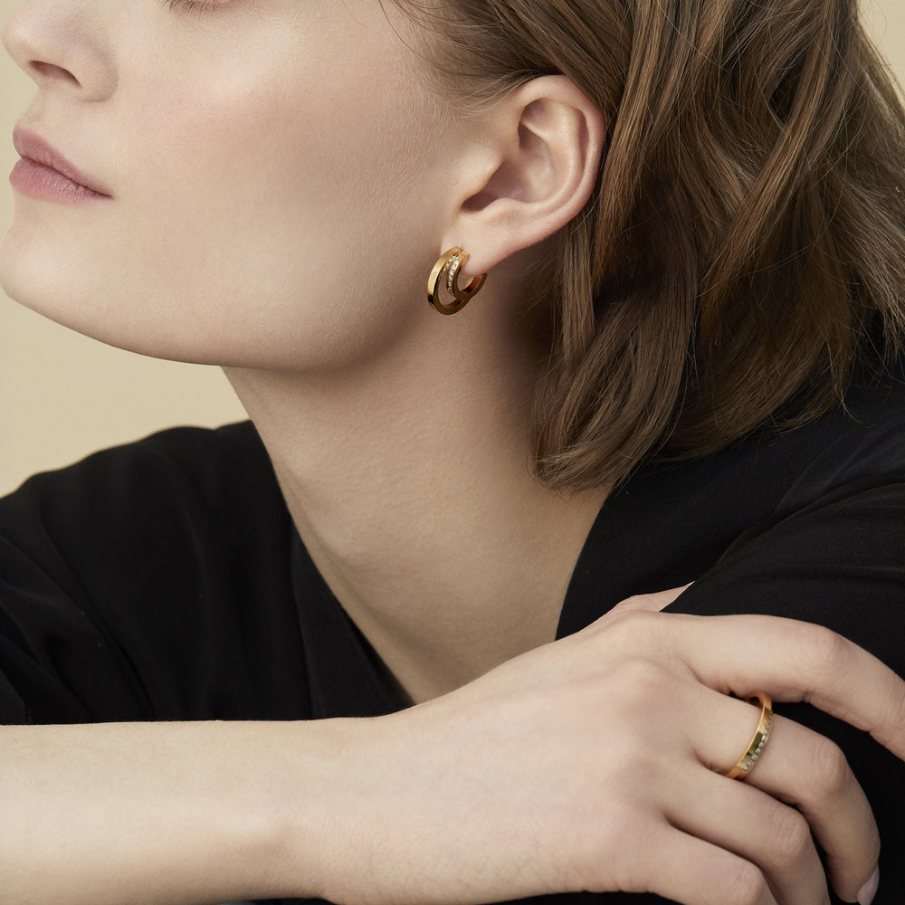 women moon crescent gold double hoop earrings stones modern chic stainless steel mia jewelry boucles d'oreilles femme croissant de lune double anneau pierres moderne chic or acier innoxydable mia bijoux T120E001DO