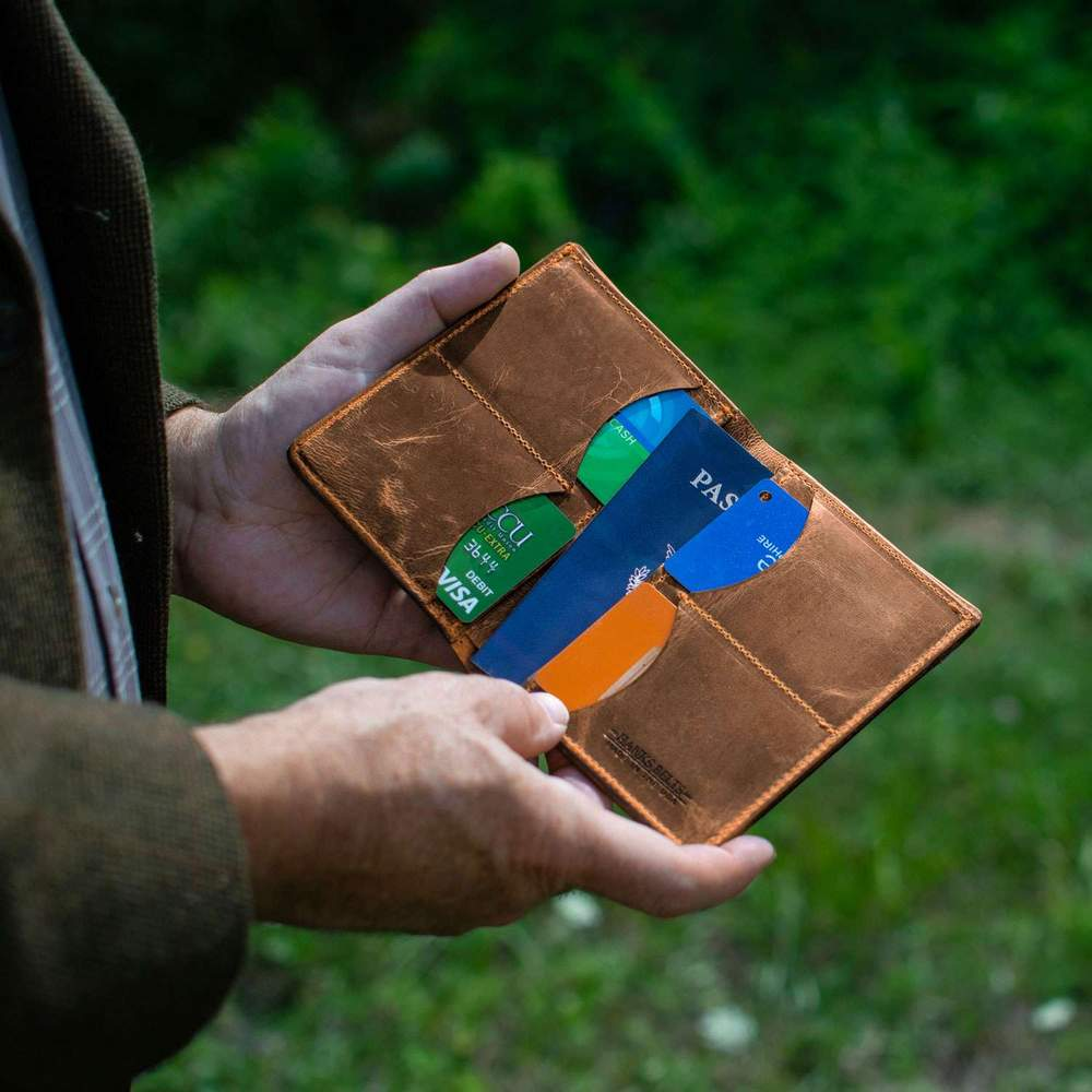 Hanks Belts Passport Case Wallet in Vintage Brown
