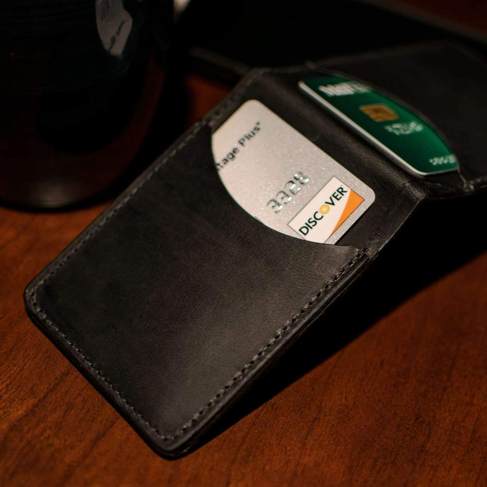 Hanks Slim Bi-fold Wallet in Black