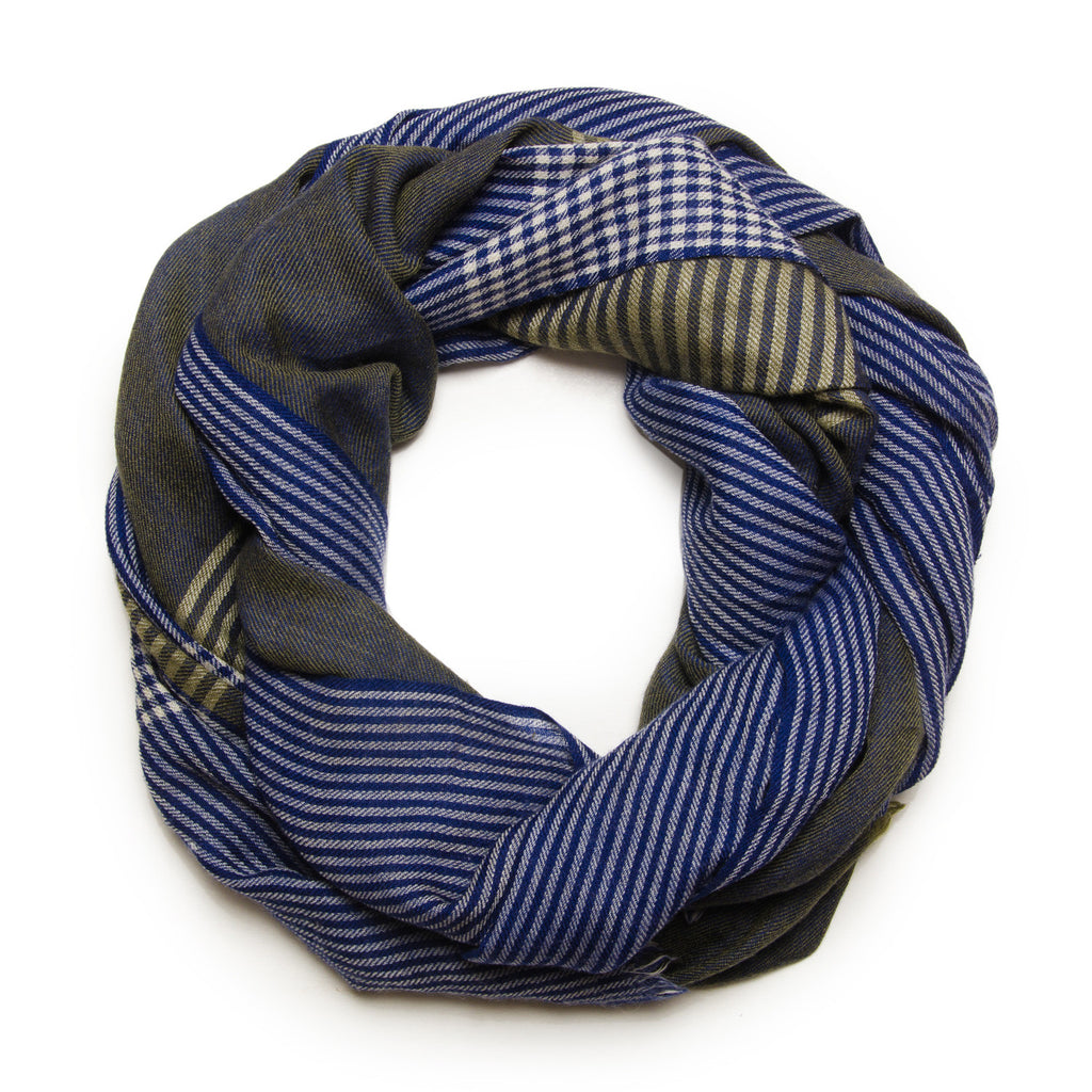 CHECKED BLUE SCARF