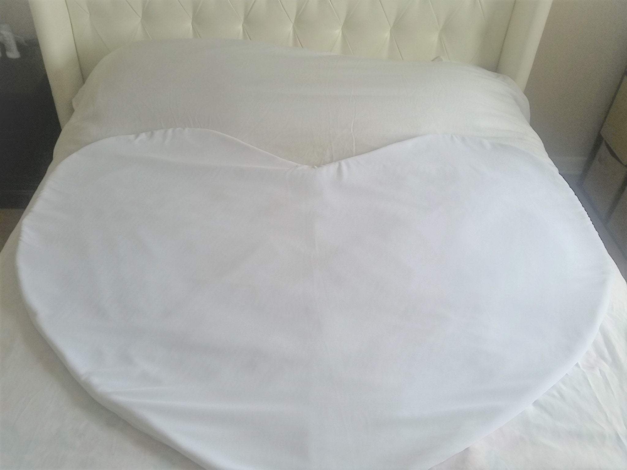 Intimate Heart luxury mattress protector, velvet, waterproof, absorbent.