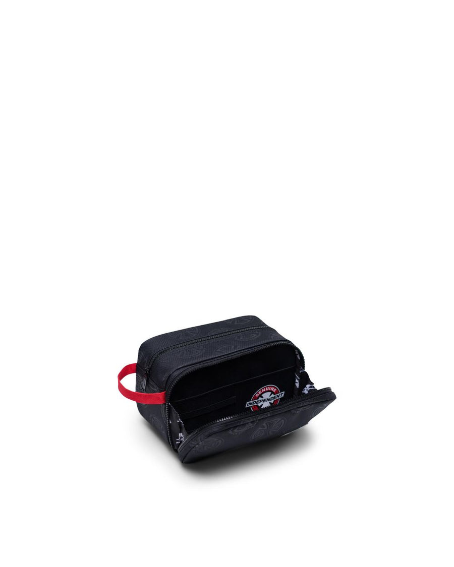 HERSCHEL CHAPTER X-LARGE INDEPENDENT MULTI CROSS BLACK - The Drive Skateshop