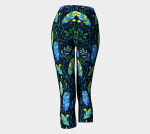 feathers capri - Wild & Roaming