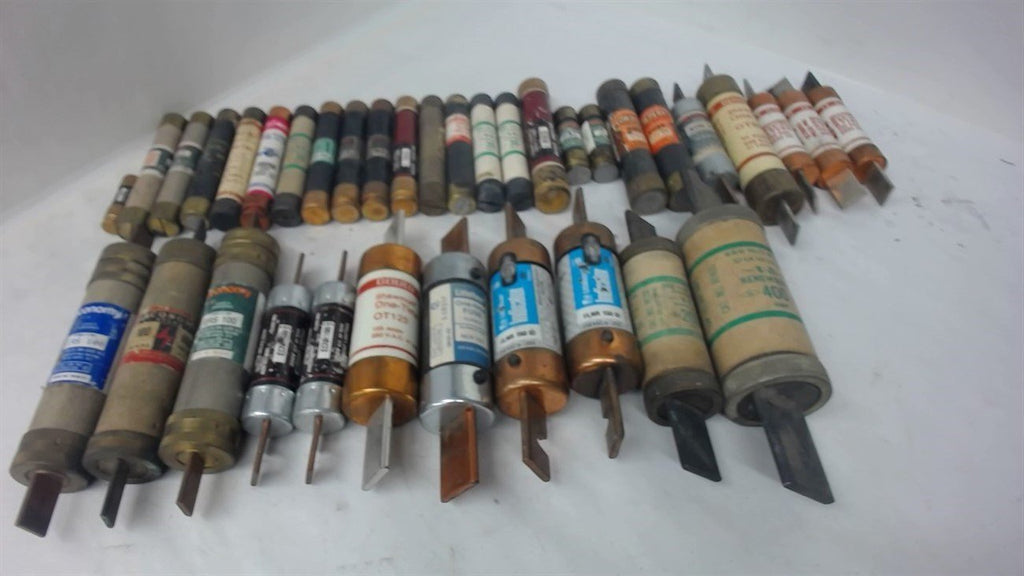 LOT OF 36, VARIOUS FUSES, 4.5-400 AMPS, 250 AND 600 VOLTS, SEE PICTURES