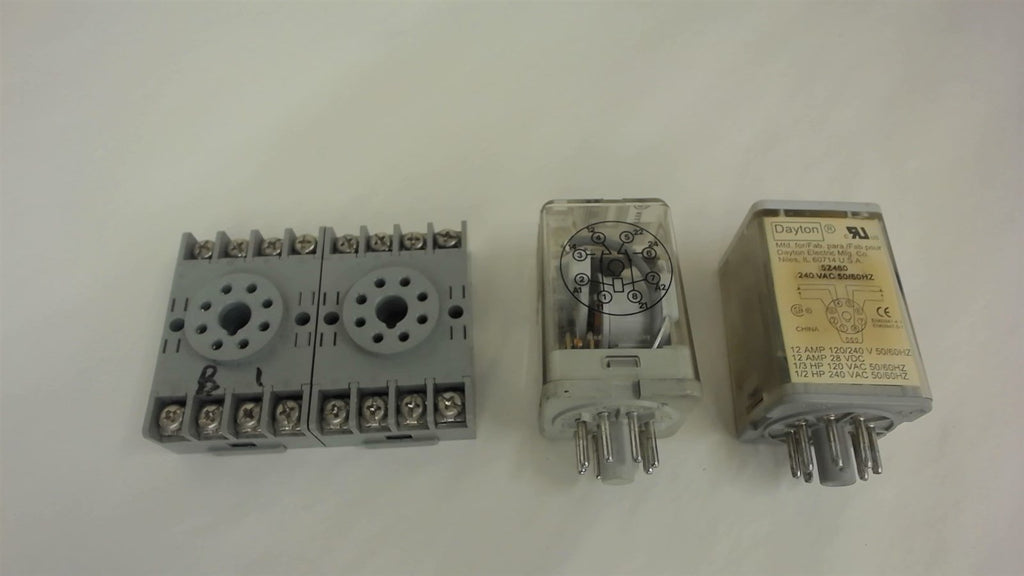 LOT OF 4, 2 EACH RELAYS AND 2 EACH TERMINAL BLOCKS, SEE DESCRIPTION