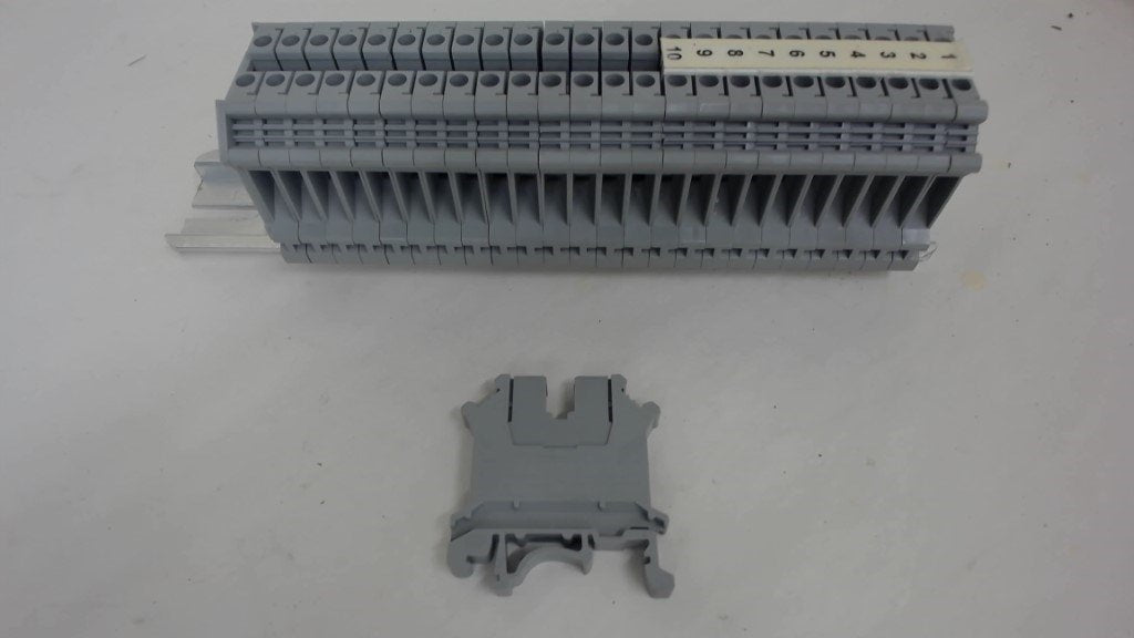 Lot Of 2 Ea, 25-Phoenix Contact Type Uk5N, Terminal Blocks, 600 Volts, 30 Amps