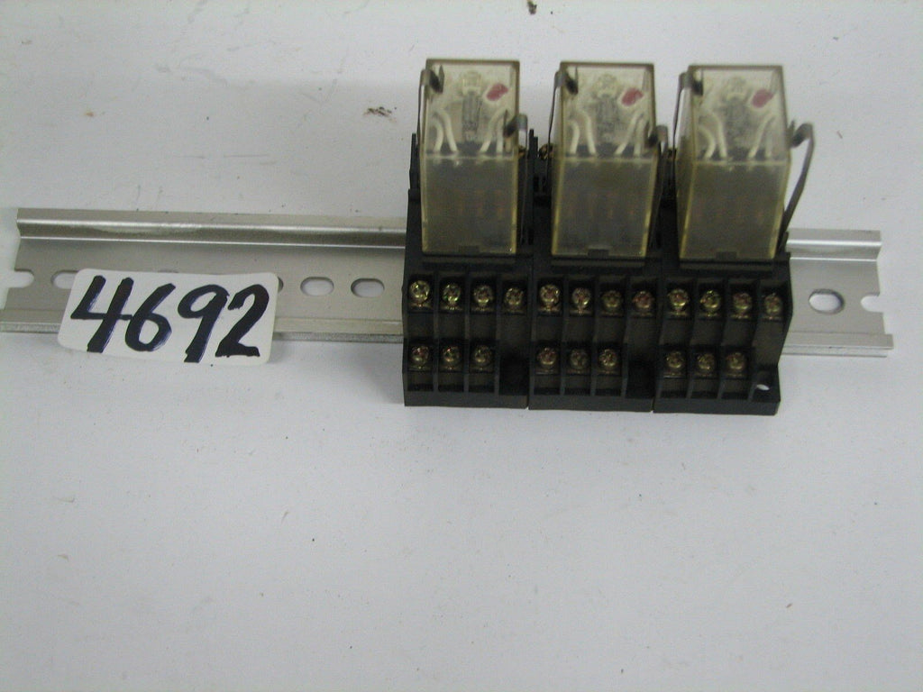 OMRON RELAYS  -  MY4N - DIN MOUNTED - MAX. 5A250V - 100/110 VAC - 1521YT  -  USE