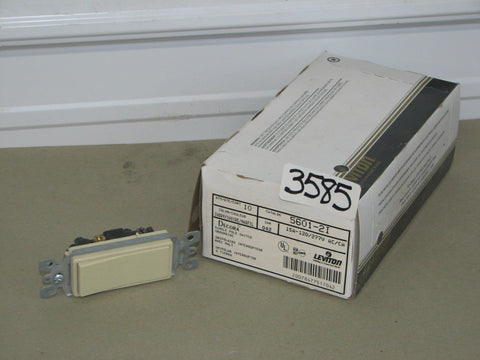 10 Leviton Decora Single Pole Switches Ivory CAT. #5601-2I 15A-120/277V AC/CA